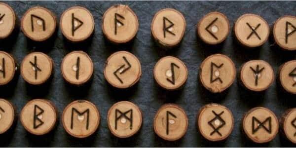 Tarot sin Gabinete - Cómo se tiran las runas